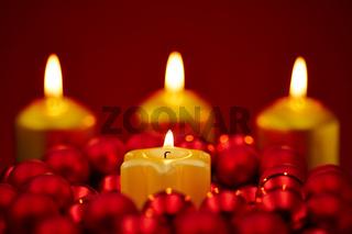 Weihnachten mit 4 Kerzen zum Advent