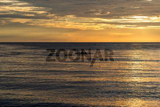 Fischerboot bei Sonnenuntergang auf Sulawesi