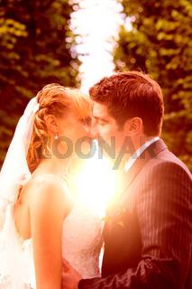 wedding sunset kiss