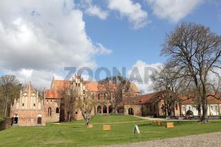 Das frühere Zisterzienserkloster Chorin im Land Brandenburg, Ansicht von Süden