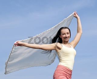 Frau mit wehendem Tuch