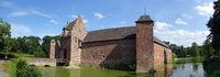 Burg Heimerzheim, mittelalterliche Wasserburg aus dem 14. Jahrhundert