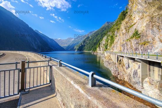Lago del Sambuco im Maggiatal, Tessin in der Schweiz - Lago del Sambuco in the Maggia Valley, Ticino in Switzerland, Europe