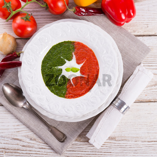 tomato-spinach cream soup