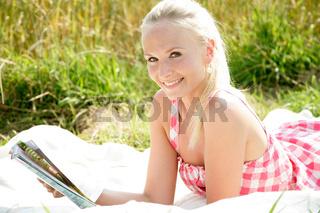 junge Frau beim entspannen