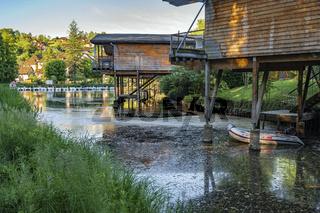 Ferienhäuser auf Stelzen in Chanaz, France