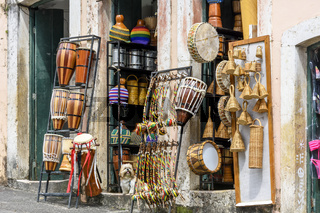 Commerce of typical products and musical instruments of various types on the streets of Pelourinho