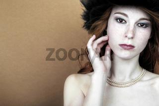Porträt einer jungen rothaarigen Frau