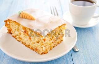 frischer Möhrenkuchen