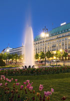 Pariser Platz with fountain and Hotel Adlon Kempinski in the evening, Berlin, Germany, Europe
