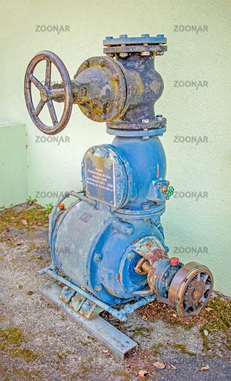 Ausgediente Pumpe des Seepumpwerks Insel Reichenau am Bodensee