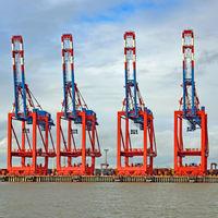 Container gantry cranes port cranes in the port of Bremerhaven, Bremen