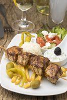 griechische souvlaki Fleisch auf Spießen
