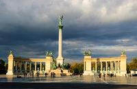 hero square budapest sunset
