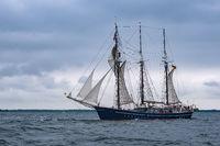 Segelschiff auf der Ostsee vor Warnemünde