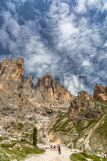 Wanderweg durch das Vajolettal zu den Vajolettuermen im Rosengarten, Trentino, Italien