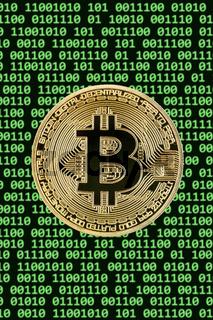 Bitcoin Krypto Währung online bezahlen digital Geld Kryptowährung Wirtschaft Finanzen Hochformat