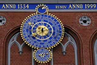 Uhr am Schwarzhaeupterhaus, Riga, Lettland