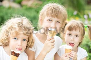Children eating ice-cream