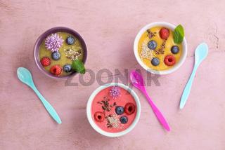 Raspberry smoothie bowl