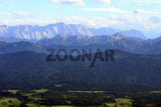 Blick vom Allgäu in die Alpen