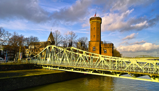 Drehbrücke Rheinauhafen Köln
