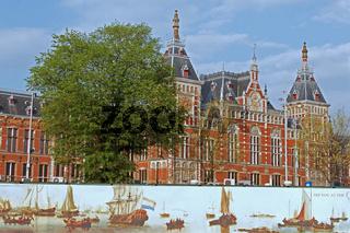 Bahnhofsgebäude Amsterdam-Centraal