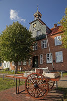 Schiffer's house in the historic harbor, Toenning, North Frisia, Schleswig-Holstein, Germany, Europe