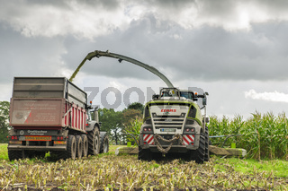 Corn harvest vehicles frontal rear 2