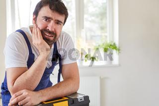 Heimwerker oder Handwerker vom Reparatur Service