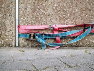 Lashing straps on the docks