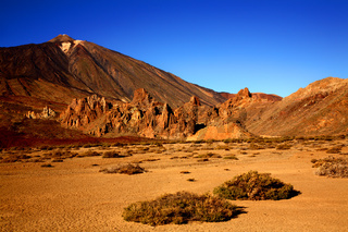 Vulkan Teide mit Los Roques de Garcia im Vordergrund, Insel Teneriffa, Kanarische Inseln, Spanien