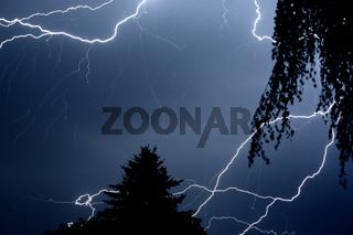 Blitz bei Nacht fotografiert, lightning at night