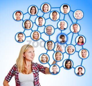 Frau wählt Freunde und Familie im sozialen Netzwerk