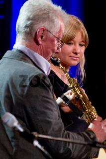 Günther Fischer und Tochter Laura im Konzert