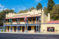 Australian Pub Hotel in Launching Place Australia