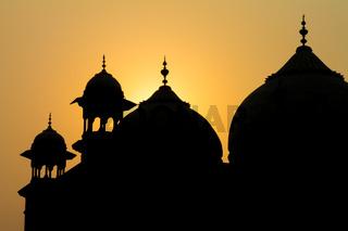 Sunrise at Taj Mahal: jawāb - the answer