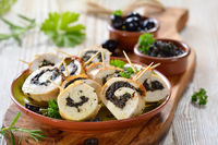 Chicken roll with black olives