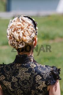 Porträt einer Frau mit schöner Frisur