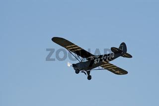 Piper Super Cub in flight