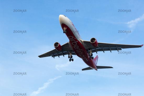 Air Berlin A330 beim Start