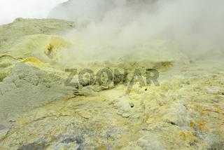 Schwefelgase auf White Island