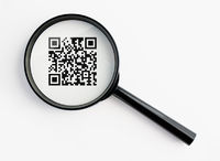 magnifying glass with qr-code