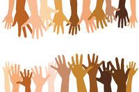 Viele verschiedene offene Hände zusammen als Team