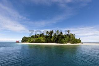Insel Ahe in der Cenderawasih Bucht