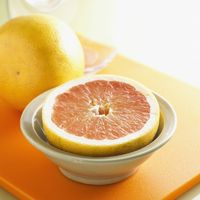 Whole and Halved Grapefruit bxp159803h