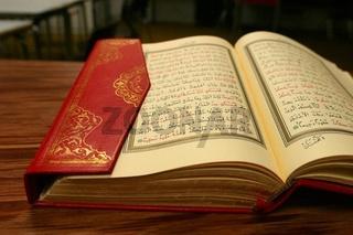 Koran geöffnet
