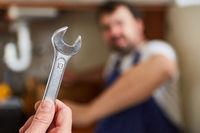 Schraubenschlüssel als Klempner Handwerkzeug