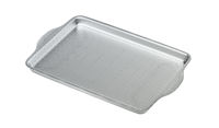 3D model of baking pan with visible wire-frame