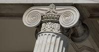 Column with ionic capital